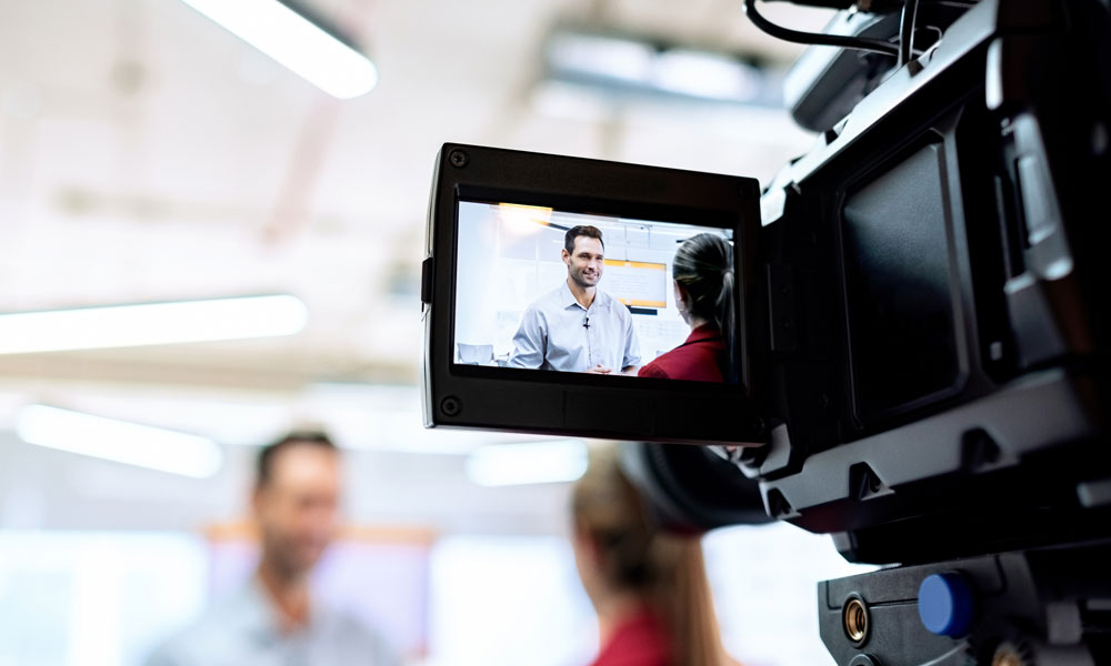 How to Give the Right Amount of Information to Journalists in a Media Interview